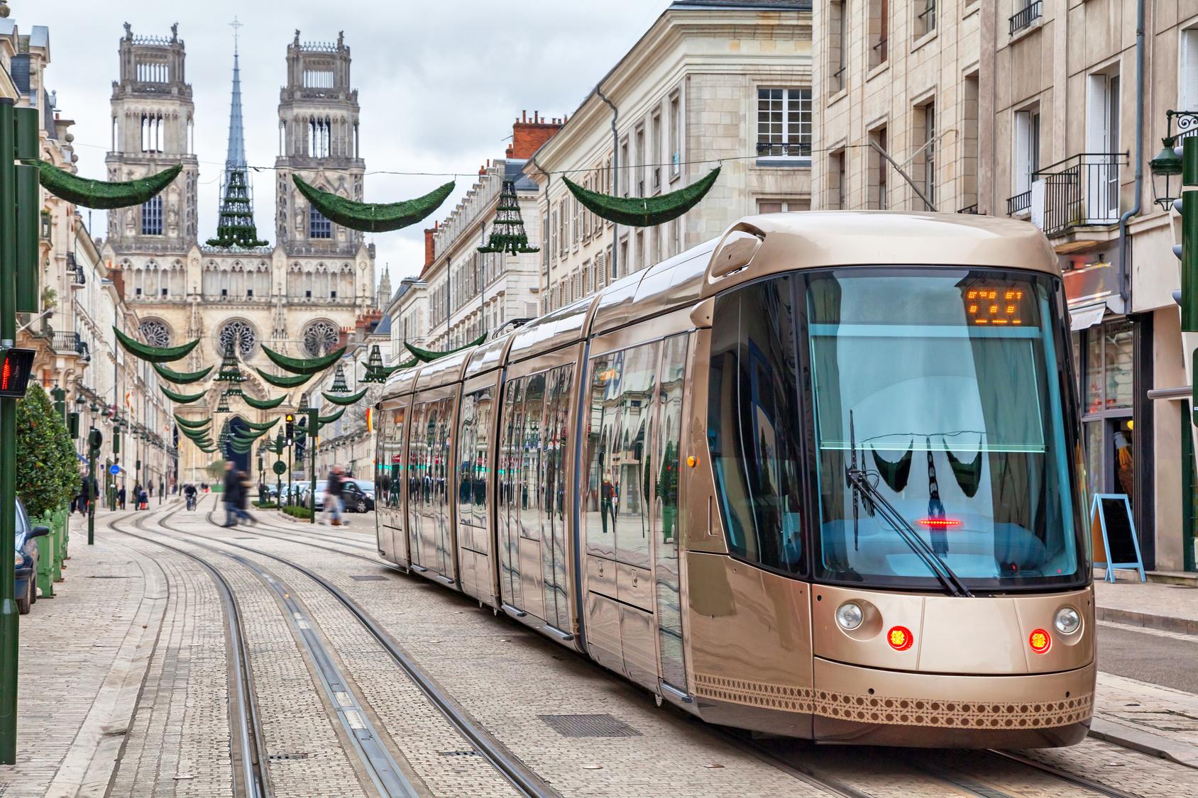 Brown tram in Orleans